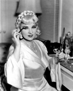 Mae West (everyday starlet)