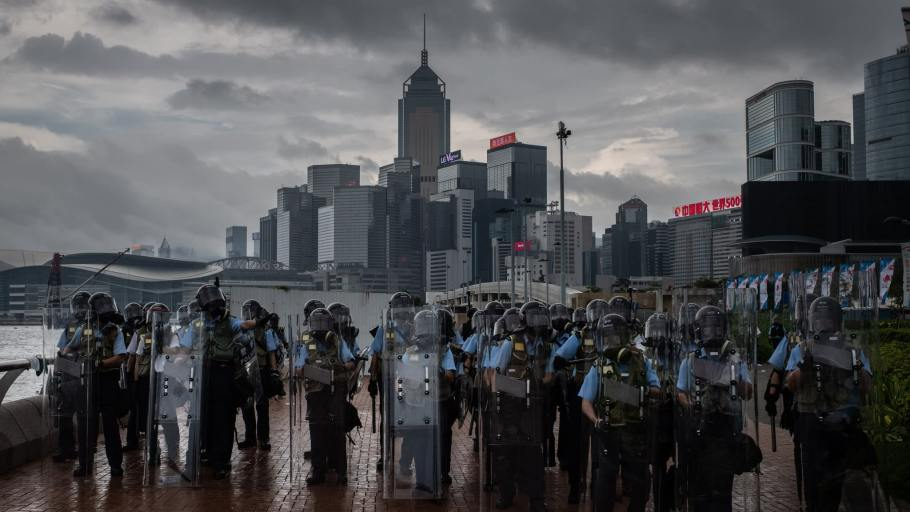 https s3 ap northeast 1.amazonaws.com psh ex ftnikkei 3937bb4 images 6 5 2 1 22171256 1 eng GB G20190816 Victoria Harbour riot