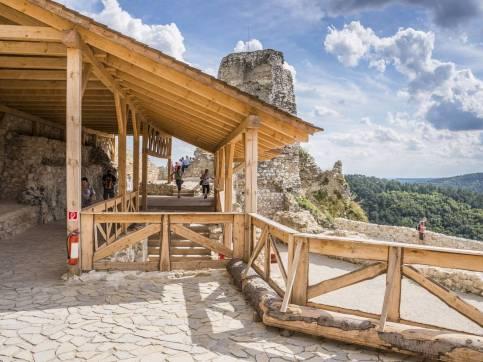Zamek w Cachticach (18)