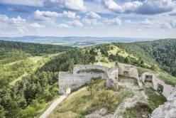 Zamek w Cachticach (2)