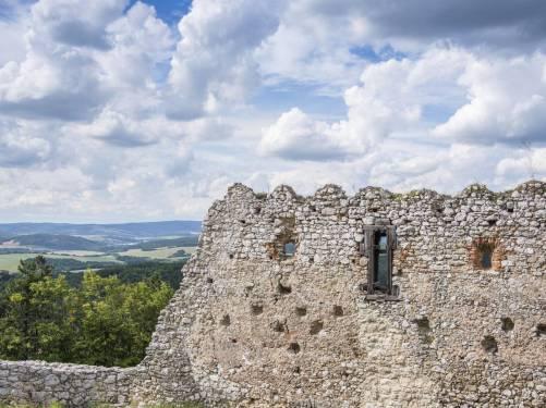 Zamek w Cachticach (4)