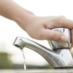 IT'S EASY TO SAVE WATER. HERE'S HOW.