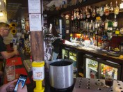 Bonhommes bar