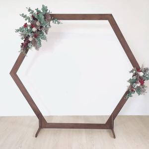 Arche hexagonale nue en bois en location
