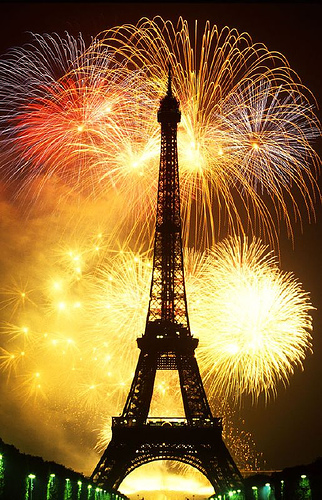 Bonne Annee  Paris Blog Oui Always Have Paris I ve never been in Paris on New Year s Eve or on Bastille Day  July 14    both of which are celebrated with elaborate fireworks displays at the  Eiffel Tower
