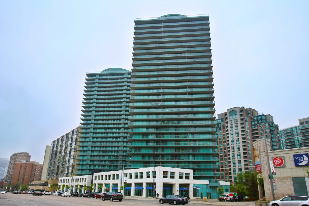 5508 Yonge St