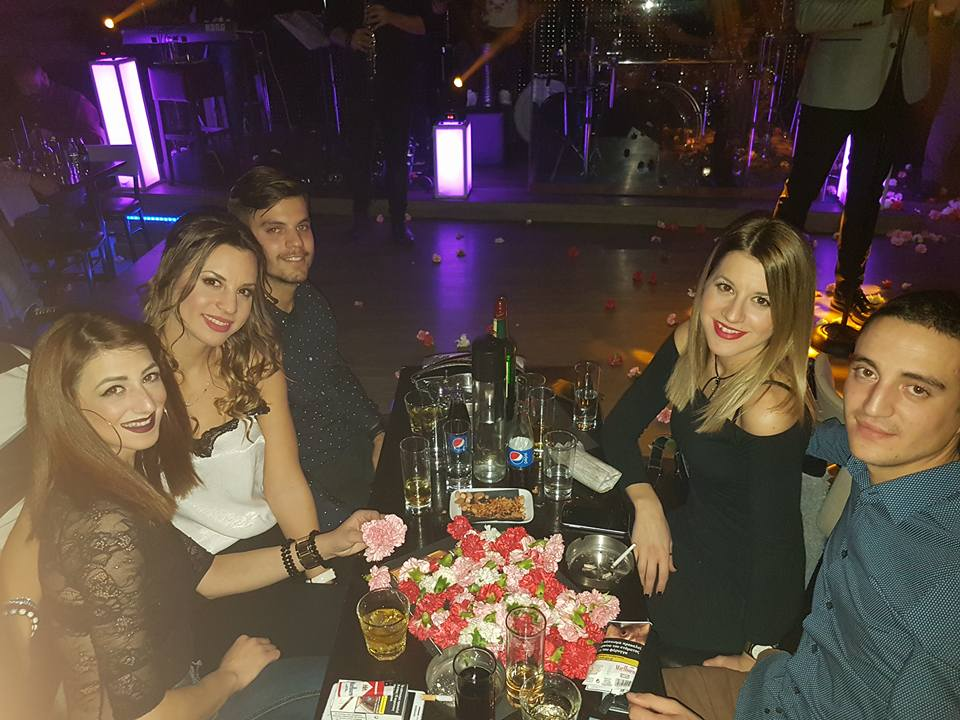 Η διασκέδαση χτύπησε κόκκινο, στο Δίχορδο live στην Κοζάνη,  το βράδυ της Παρασκευης 15 Δεκεμβρίου