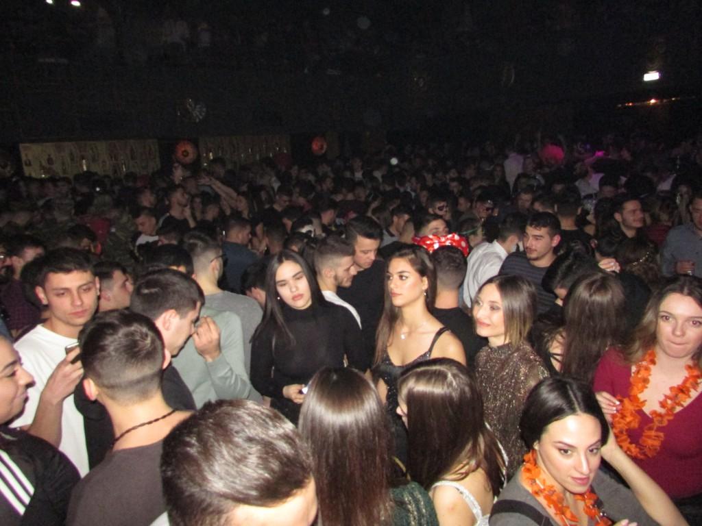Σάββατο βράδυ, Mεγάλης Aποκριάς, στο club D.a.d.a. στην Κοζάνη