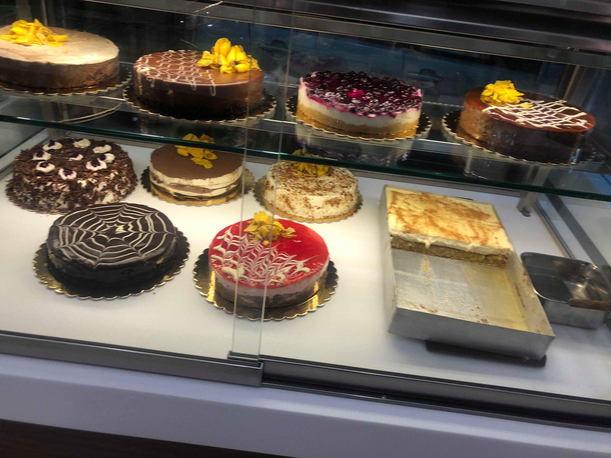 Άνοιξε το ανακαινισμένο ζαχαροπλαστείο «Pleasure» στην Κοζάνη