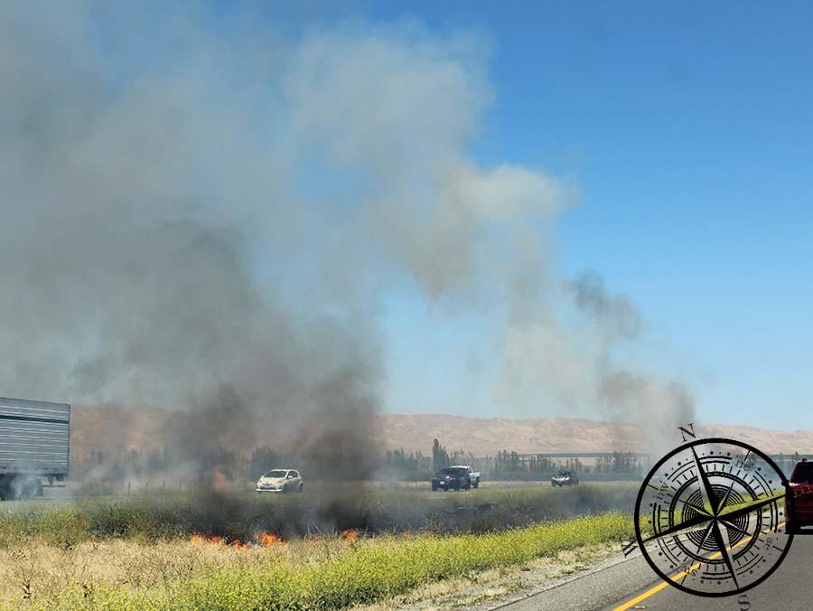 Die Brände finden auch nah an der Fahrbahn statt