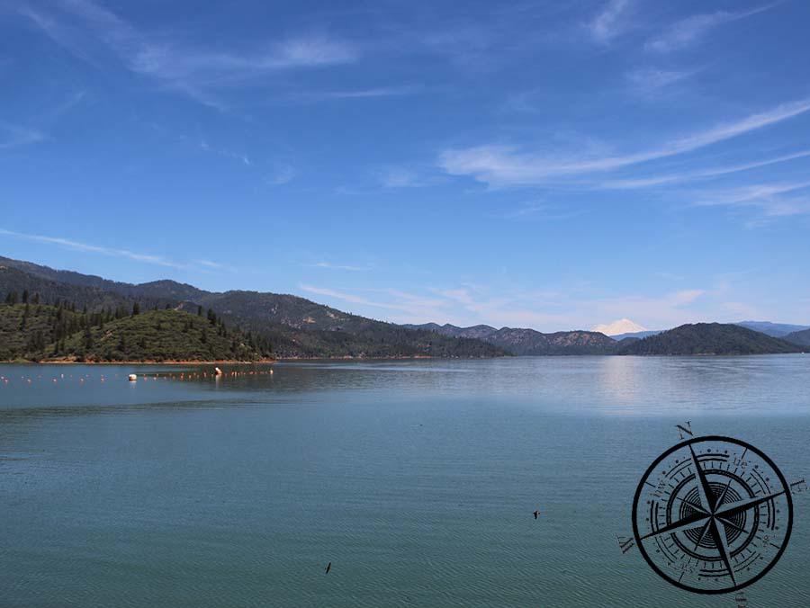 "Blick auf den ""Shasta Lake"" & ""Shasta Mt."""