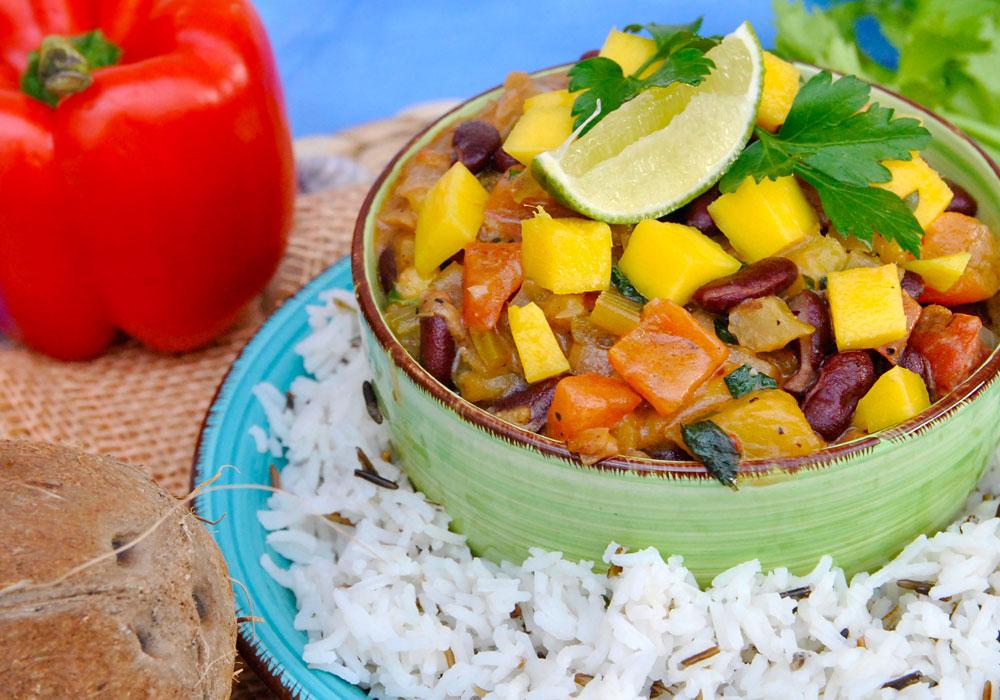 Jerk-Chili mit Mango und Kokosmilch