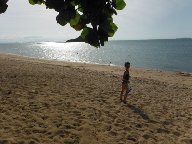 Alannah on the beach - Hydeaway Bay