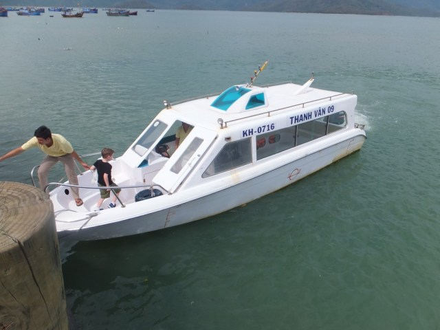 Speed boat transfer to An Lam Resort