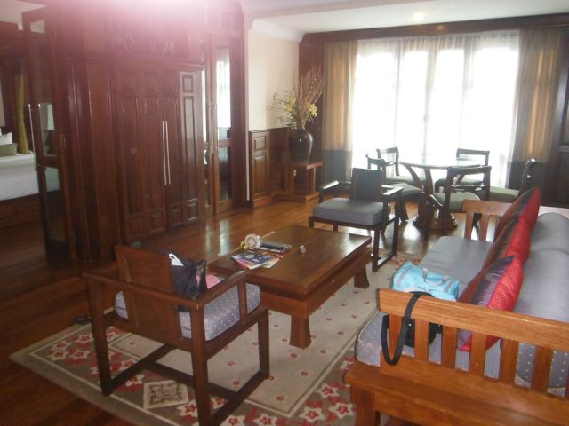 Presidential suite, Prince d'Angkor Hotel & Spa