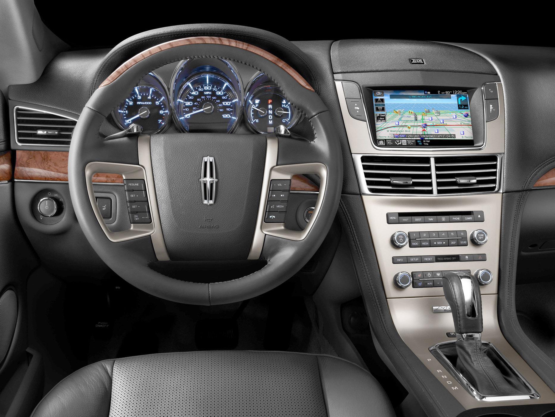 https://i1.wp.com/ourautoexpert.com/wp-content/uploads/2010/04/2055-Lincoln-MKT-interior.jpg