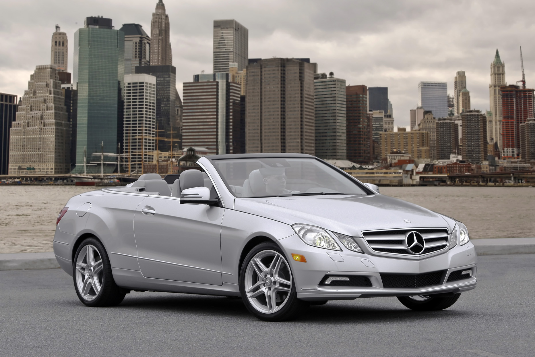 Test drive 2011 mercedes benz e class cabriolet our for Mercedes benz e350 2011