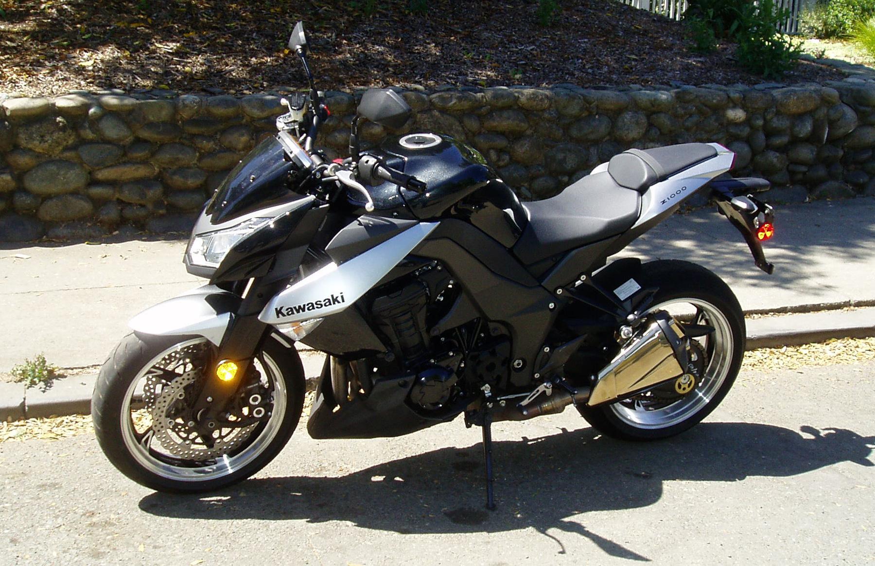 Test Ride: 2010 Kawasaki Z1000 – Our Auto Expert