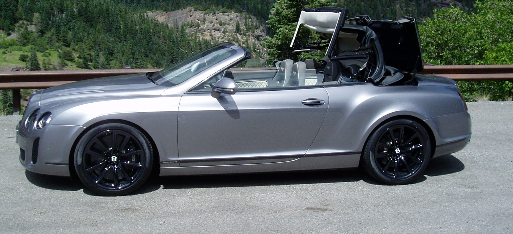 Test drive 2011 bentley continental supersports convertible our power for the new supersports convertible comes from the same 60 liter w12 twin turbo engine that propels the coupe it produces 621 brake horsepower at vanachro Image collections