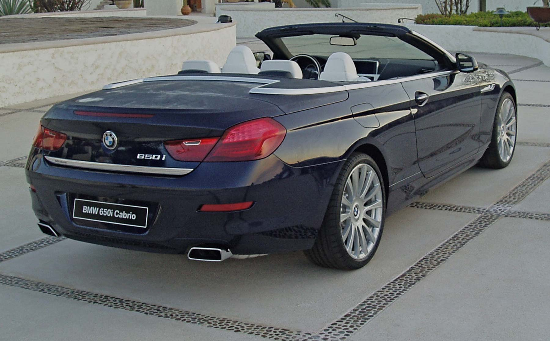 test drive 2012 bmw 650i convertible our auto expert. Black Bedroom Furniture Sets. Home Design Ideas