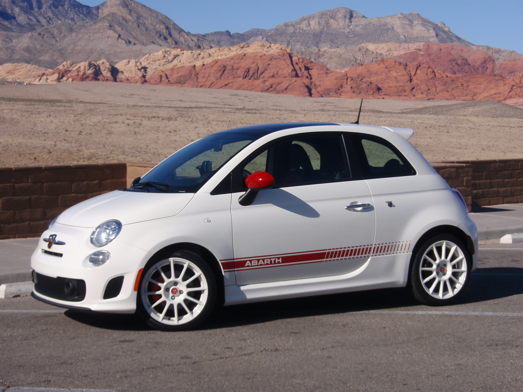test drive fiat 500 abarth our auto expert. Black Bedroom Furniture Sets. Home Design Ideas