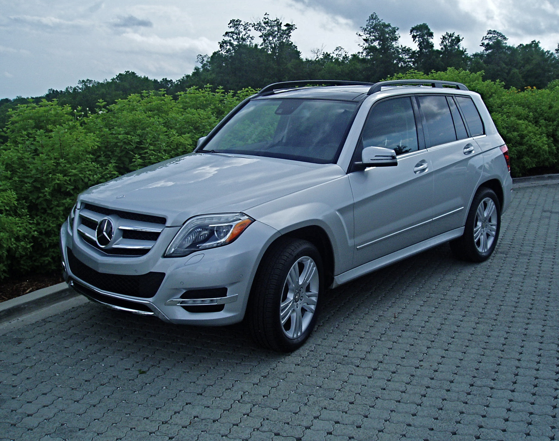 test drive 2013 mercedes benz glk350 4matic our auto expert. Black Bedroom Furniture Sets. Home Design Ideas