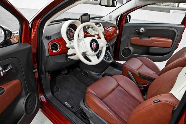 2013 Fiat 500 Turbo interior