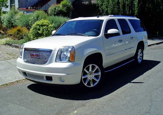2013 gmc yukon xl denali awd test drive our auto expert. Black Bedroom Furniture Sets. Home Design Ideas