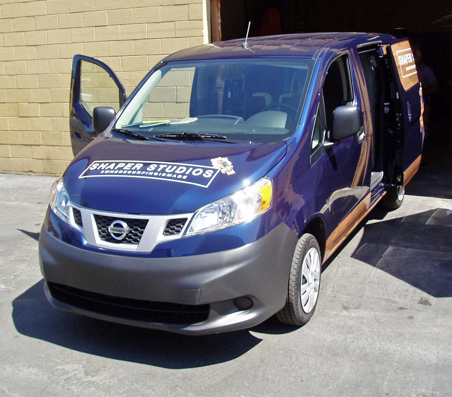 2013 nissan nv200 compact cargo van test drive our auto. Black Bedroom Furniture Sets. Home Design Ideas
