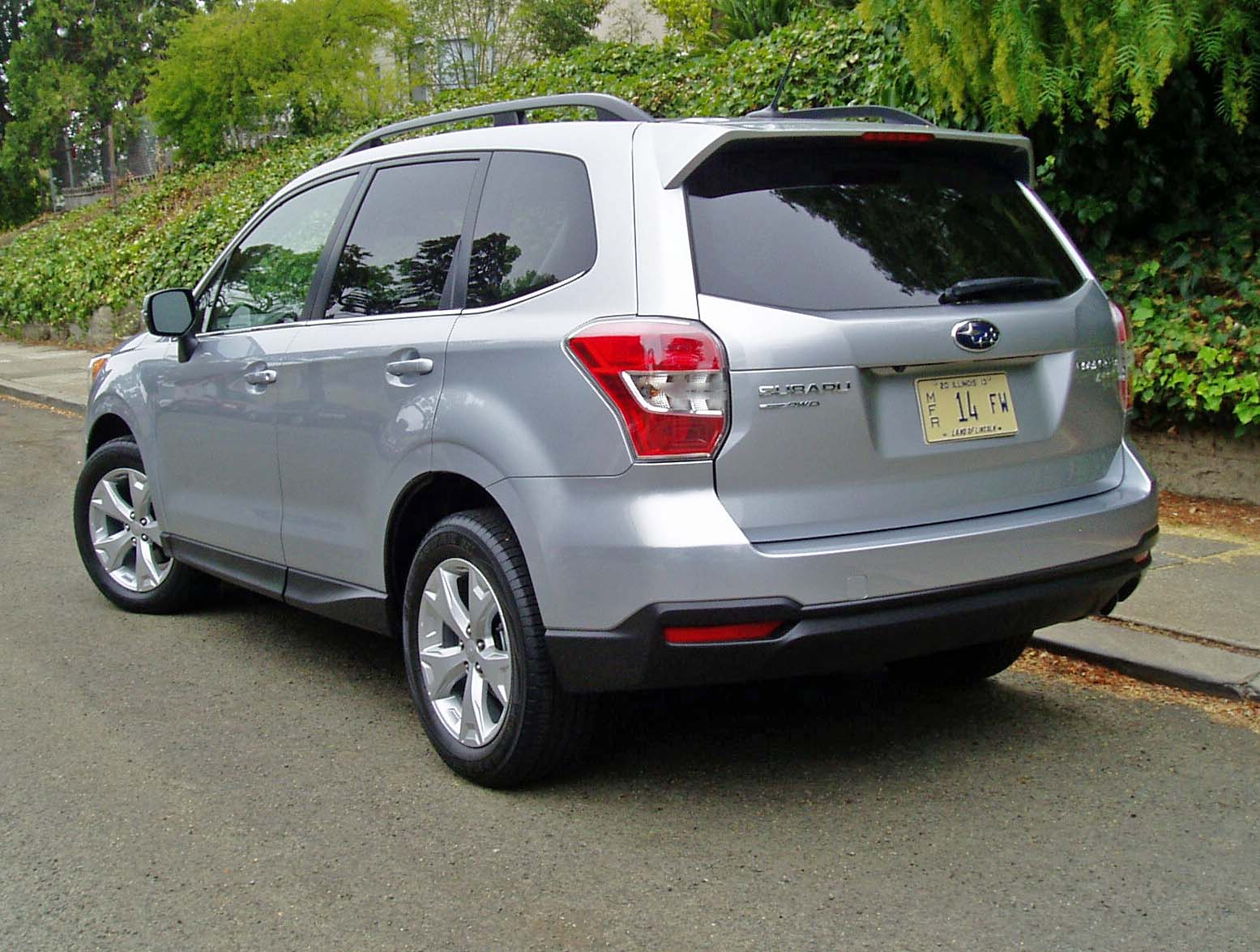 2014 subaru forester touring test drive our auto expert. Black Bedroom Furniture Sets. Home Design Ideas