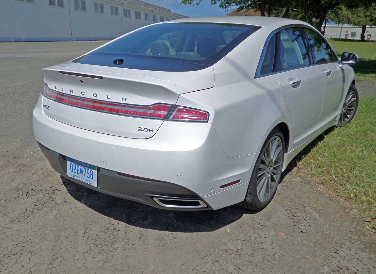 2014 lincoln mkz hybrid test drive our auto expert. Black Bedroom Furniture Sets. Home Design Ideas