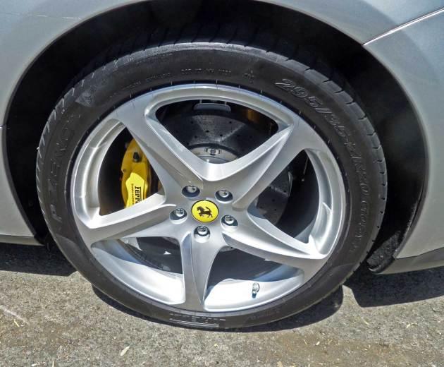 Ferrari-FF-Whl