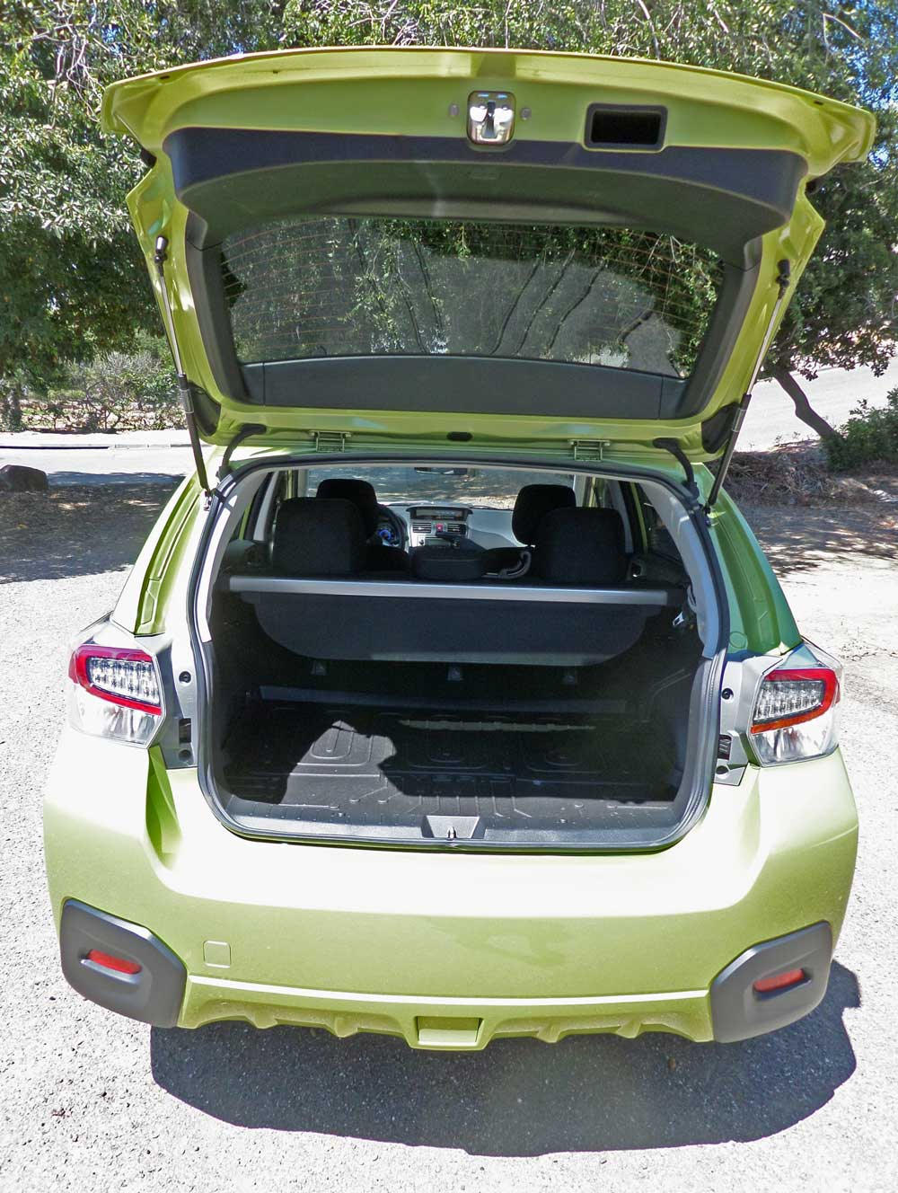 2014 subaru xv crosstrek hybrid test drive our auto expert. Black Bedroom Furniture Sets. Home Design Ideas