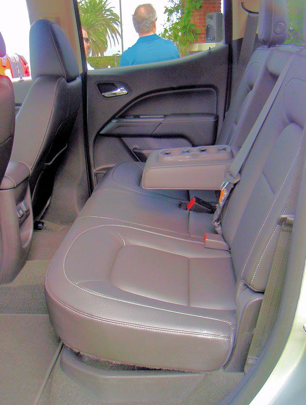 2015 GMC Canyon rear seat