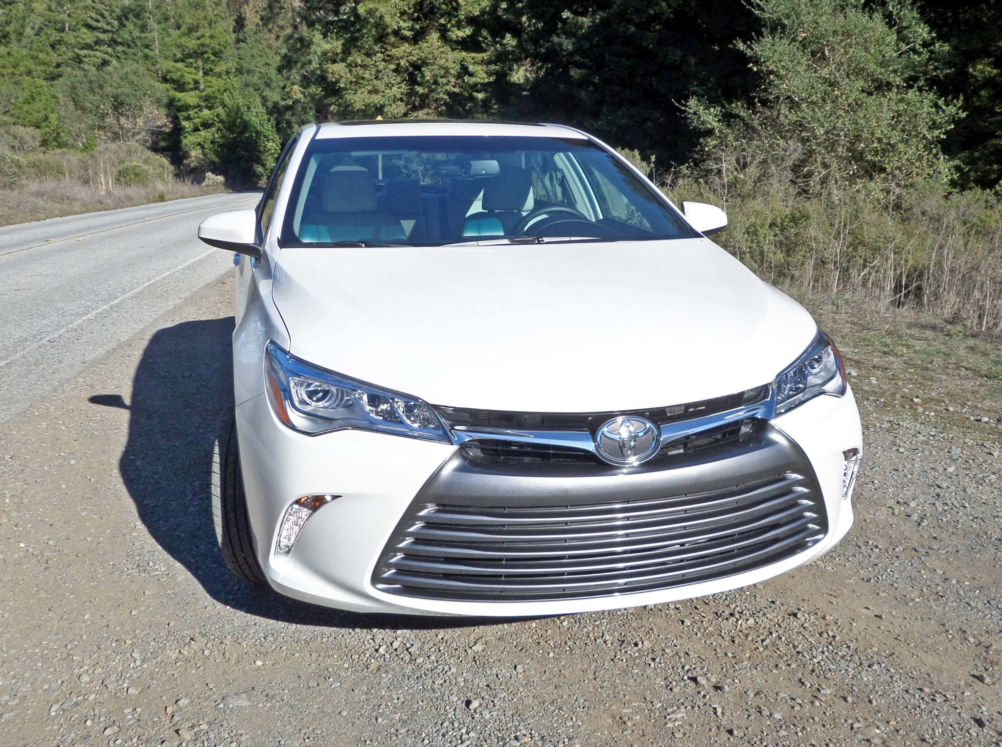 2015 toyota camry xle v6 test drive our auto expert. Black Bedroom Furniture Sets. Home Design Ideas
