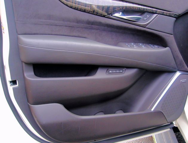 2015 Cadillac Escalade door panel