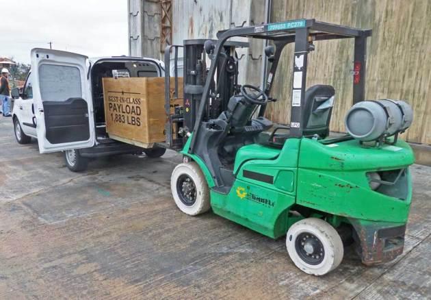 Ram-Promaster-City-Cargo-loading