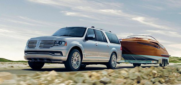 2015 Lincoln Navigator towing