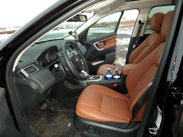 b2015 Land Rover Discover Sport interior