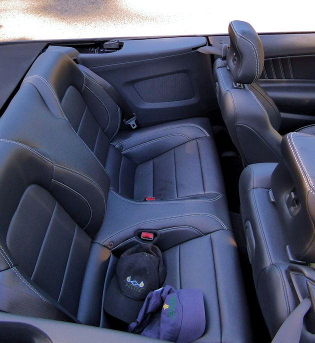 2015 Ford Mustang rear seat