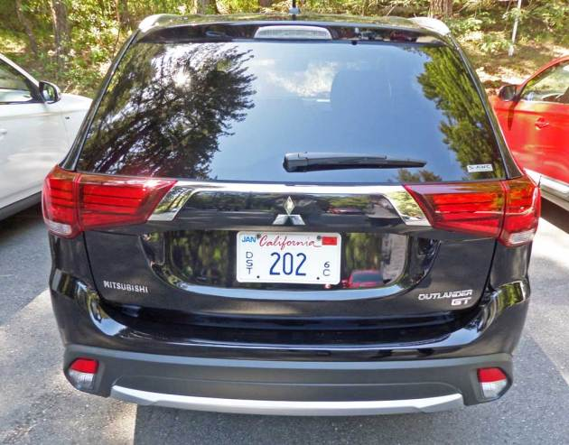Mitsubishi-Outlander-GT-Tail