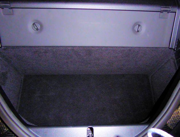 2016 BMW i8 cargo