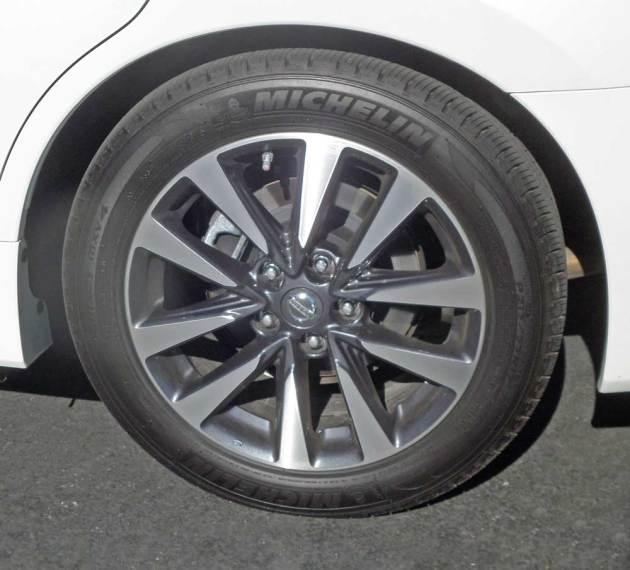 Nissan-Altima-SL-Whl