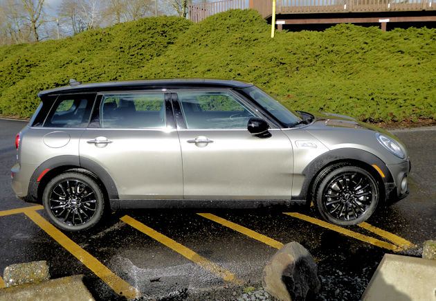 2016 Mini Cooper Clubman side