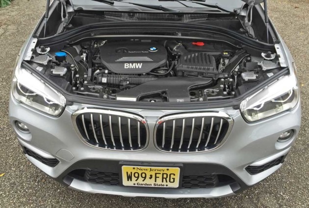 BMW-X1-28i-Eng