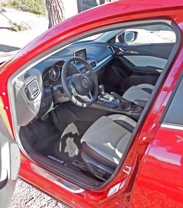 Mazda3-s-GT-Int
