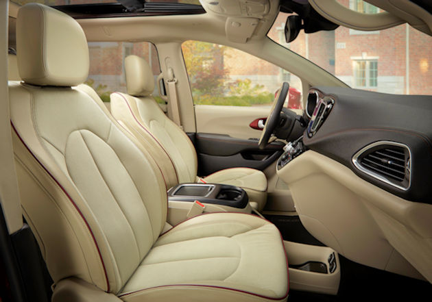 2017 chrysler pacifica test drive our auto expert. Black Bedroom Furniture Sets. Home Design Ideas