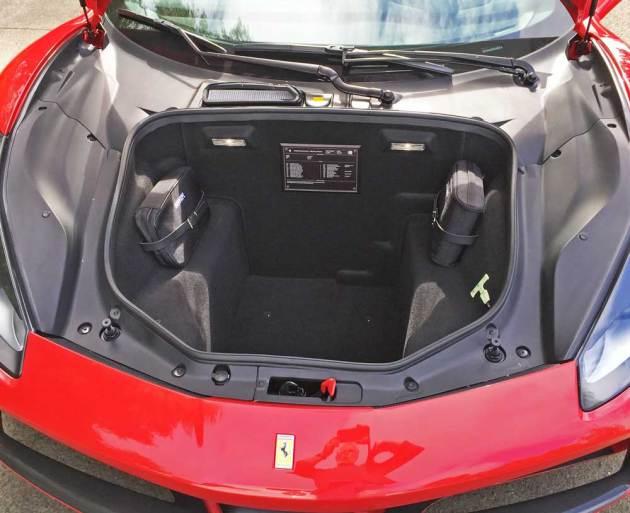 Ferrari-488-GTB-Boot