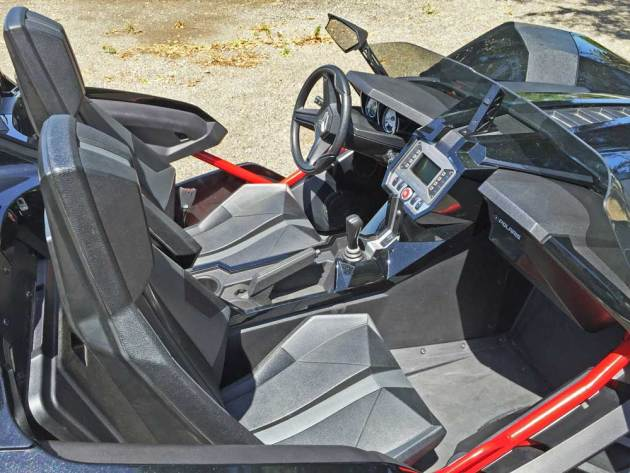 Polaris-Slingshot-Int