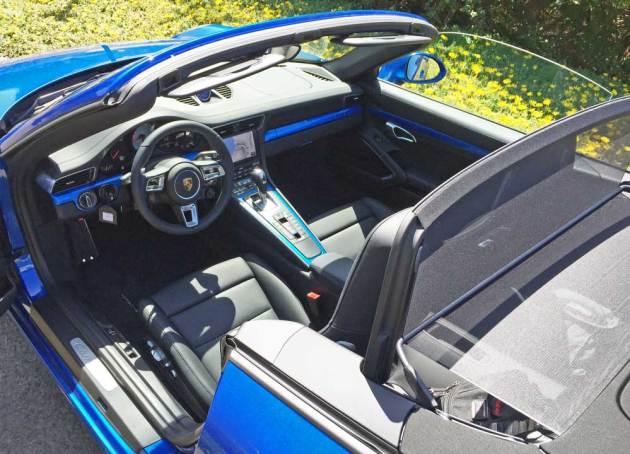 Porsche-911-Carrera-WD